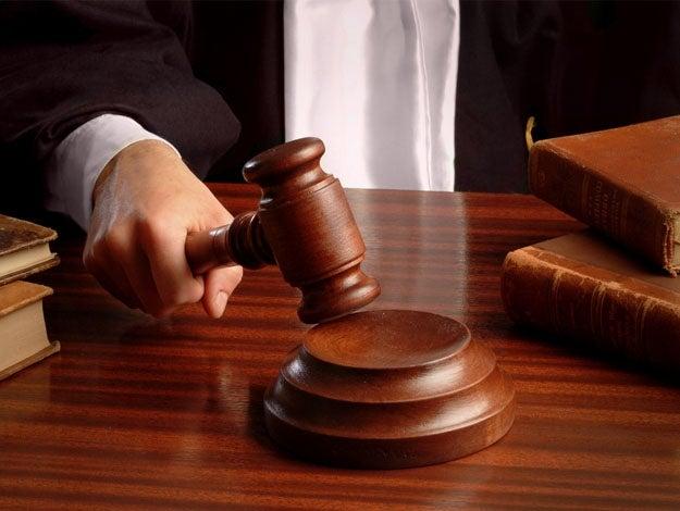 Juízes usam a Bíblia para justificar agressão à mulher