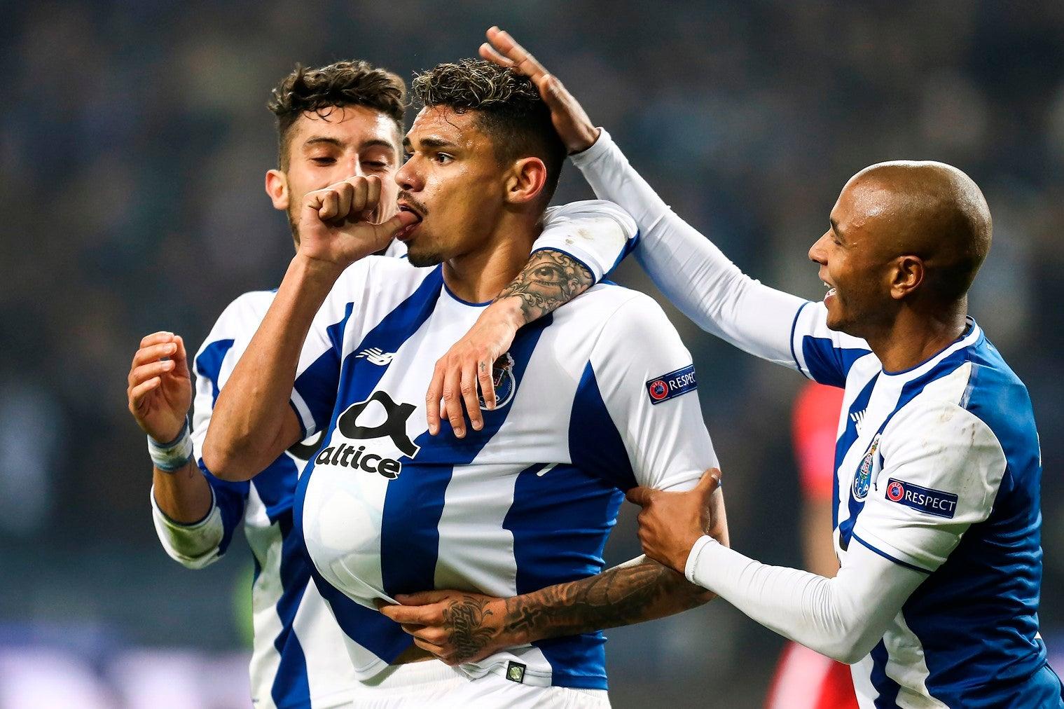 Otávio é a única baixa no FC Porto