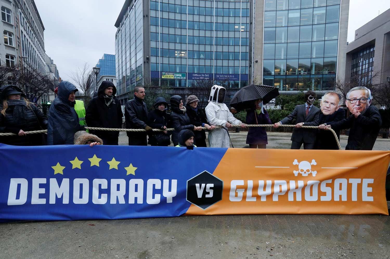 União Europeia prolonga licença do pesticida Glifosato