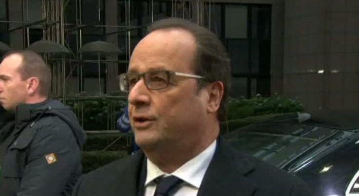 Mundo - Hollande avisa que � preciso acordo com a Turquia para ajuda aos refugiados