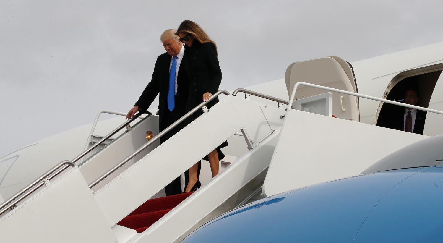 Mundo - Trump e a família já chegaram a Washington