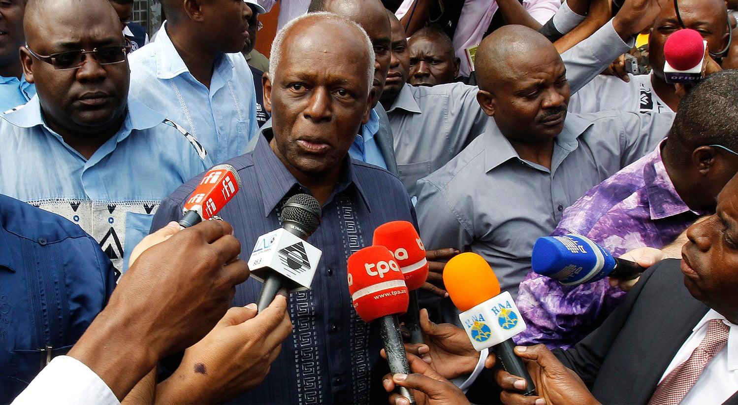 Discurso de Eduardo dos Santos ao MPLA omite sucessão