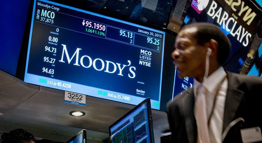 Ponto final � maioria absoluta da direita inquieta a Moody�s
