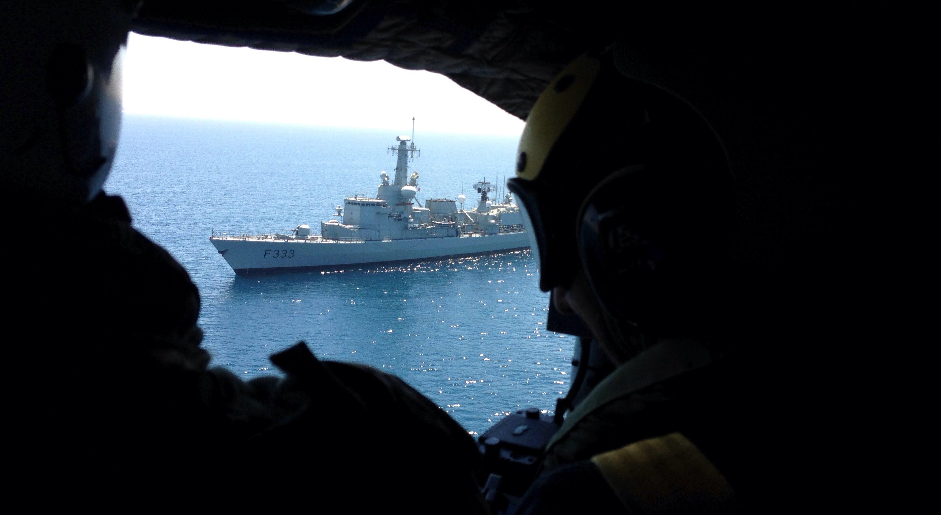 Almirante avisa que A Marinha n�o pode perder nem mais um homem