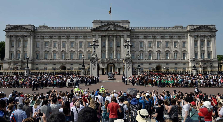 Homem detido perto do Palácio de Buckingham gritou 'Alá é grande'