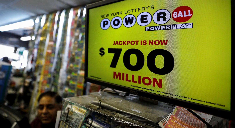 Mulher ganha R$ 2,4 bilhões em loteria nos Estados Unidos