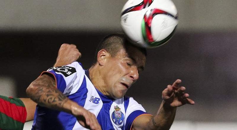 FC Porto com Maxi Pereira na Liga dos Campe�es