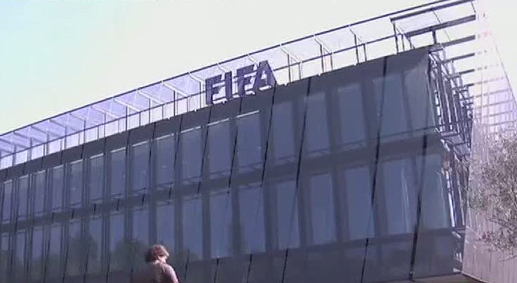 Comit� de �tica da FIFA suspende Blatter e Platini por 90 dias