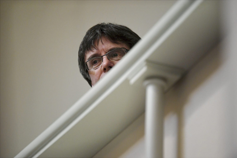 Líder separatista catalão Carles Puigdemont é detido na Alemanha