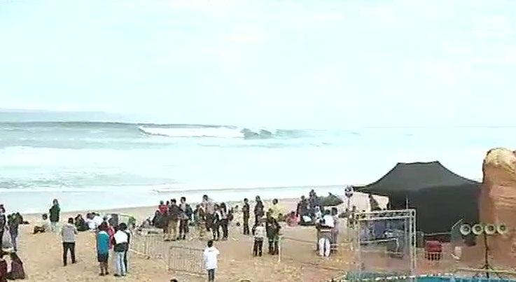 Desporto - Falta de ondas continua assombrar Mundial de Surf em Peniche