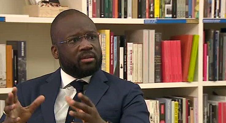 Mundo - Embaixador angolano atribui m� imagem de Angola a not�cias descabidas