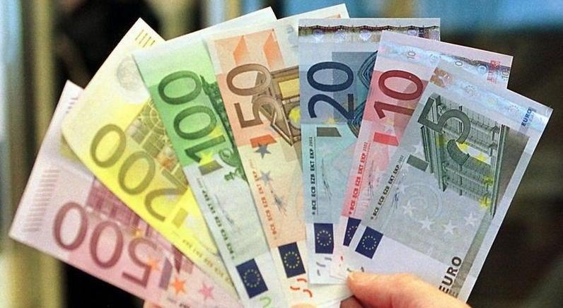 Economia - N�o haver� devolu��o da sobretaxa de IRS se execu��o at� outubro se mantiver, segundo AT