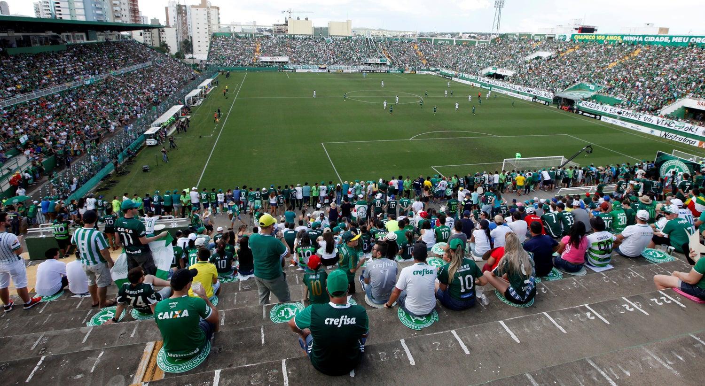 Chapecoense empata com Palmeiras no primeiro jogo depois do acidente aéreo