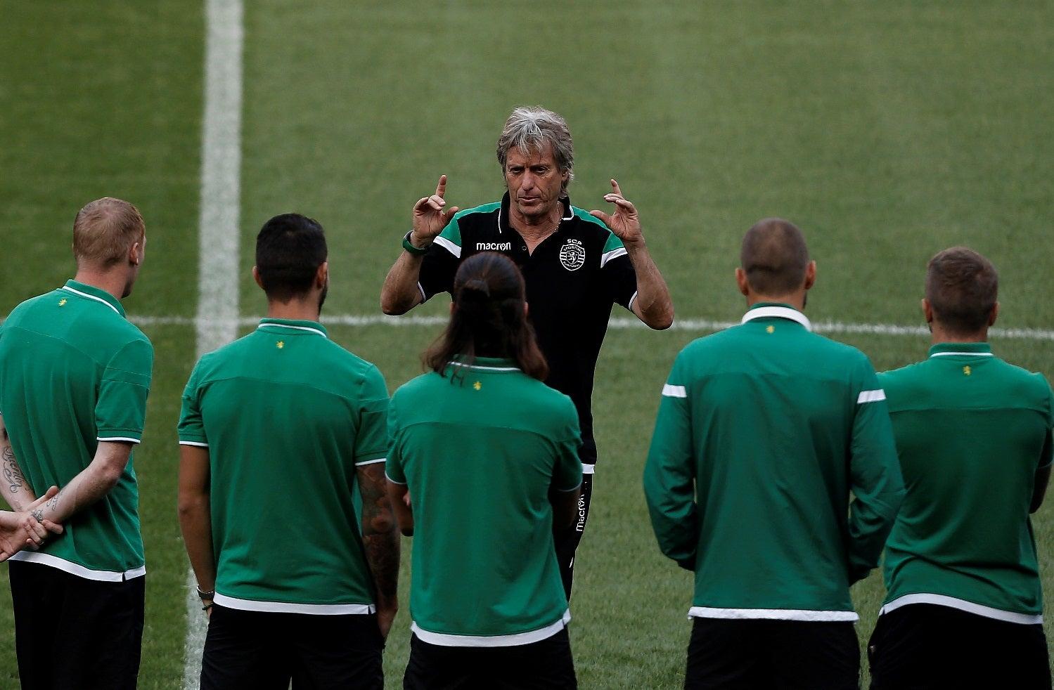 Vitória tem armas para contrariar favoritismo do Sporting, diz Paciência