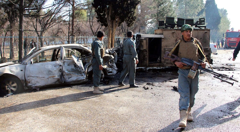 Atentado suicida mata 20 e deixa 55 feridos em Cabul