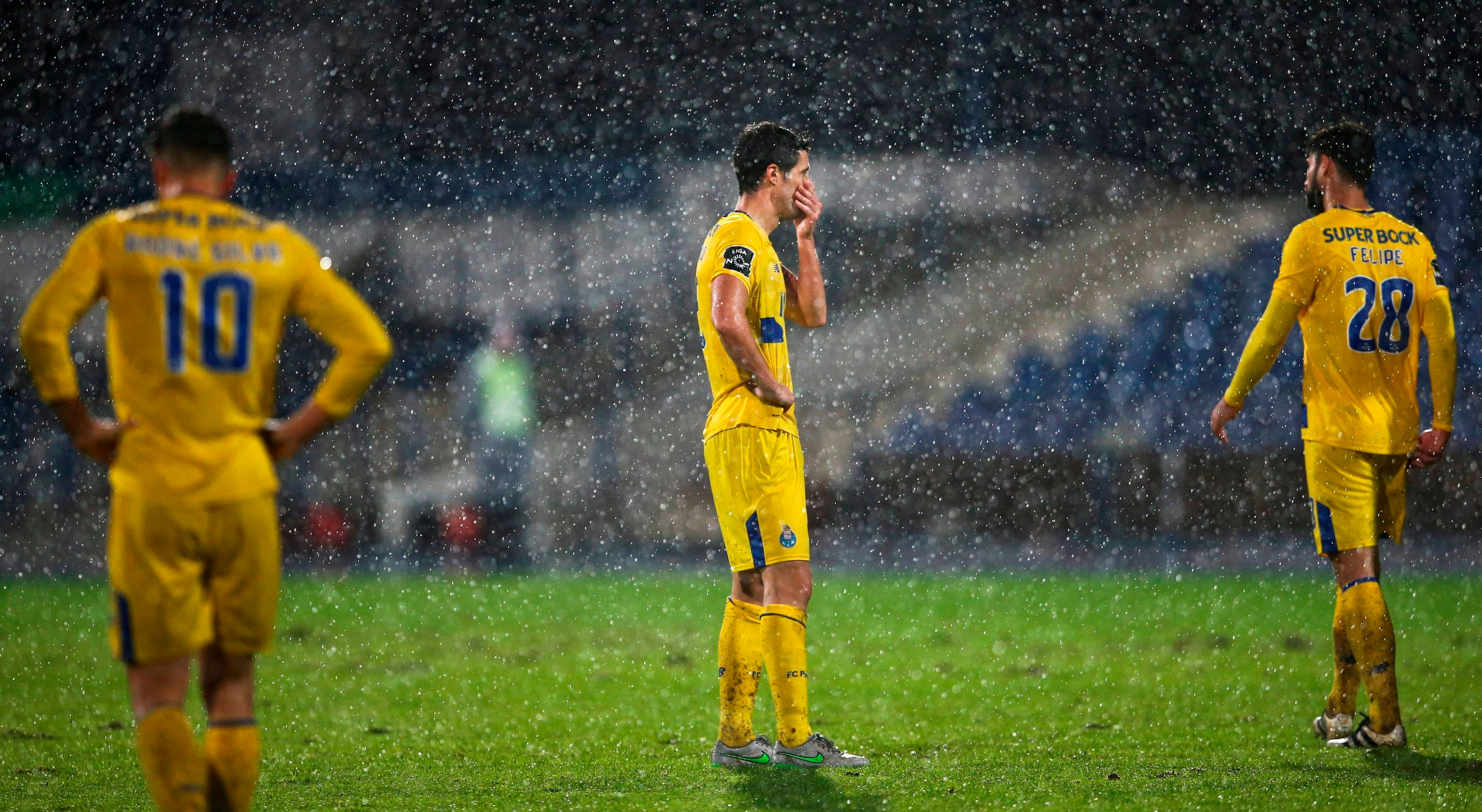 Crise no FC Porto preocupa Guilherme Aguiar