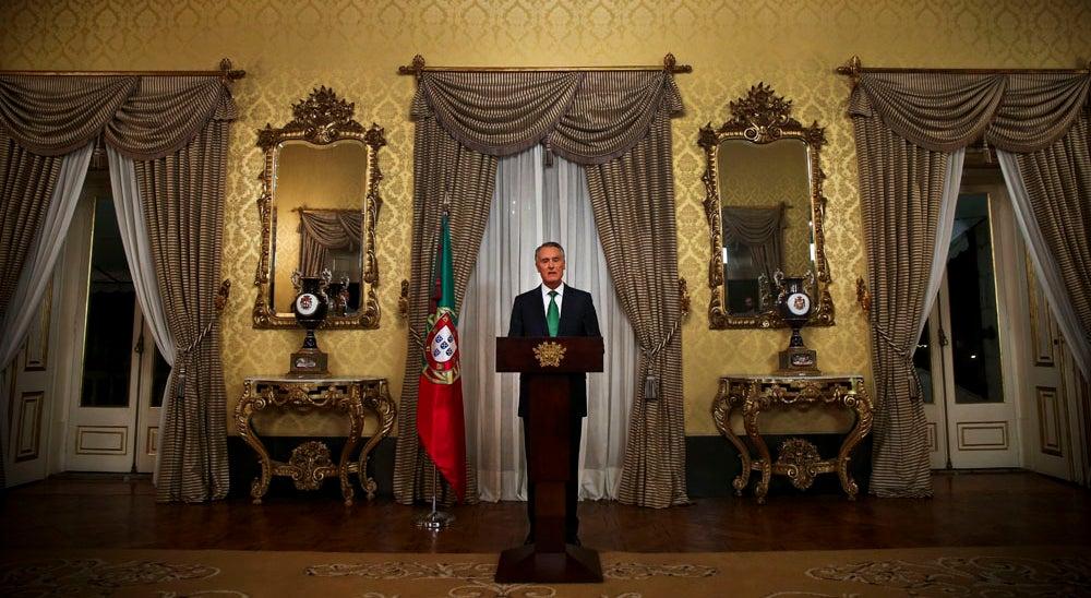 Cavaco remete para os partidos responsabilidade de formar Governo est�vel e s�lido