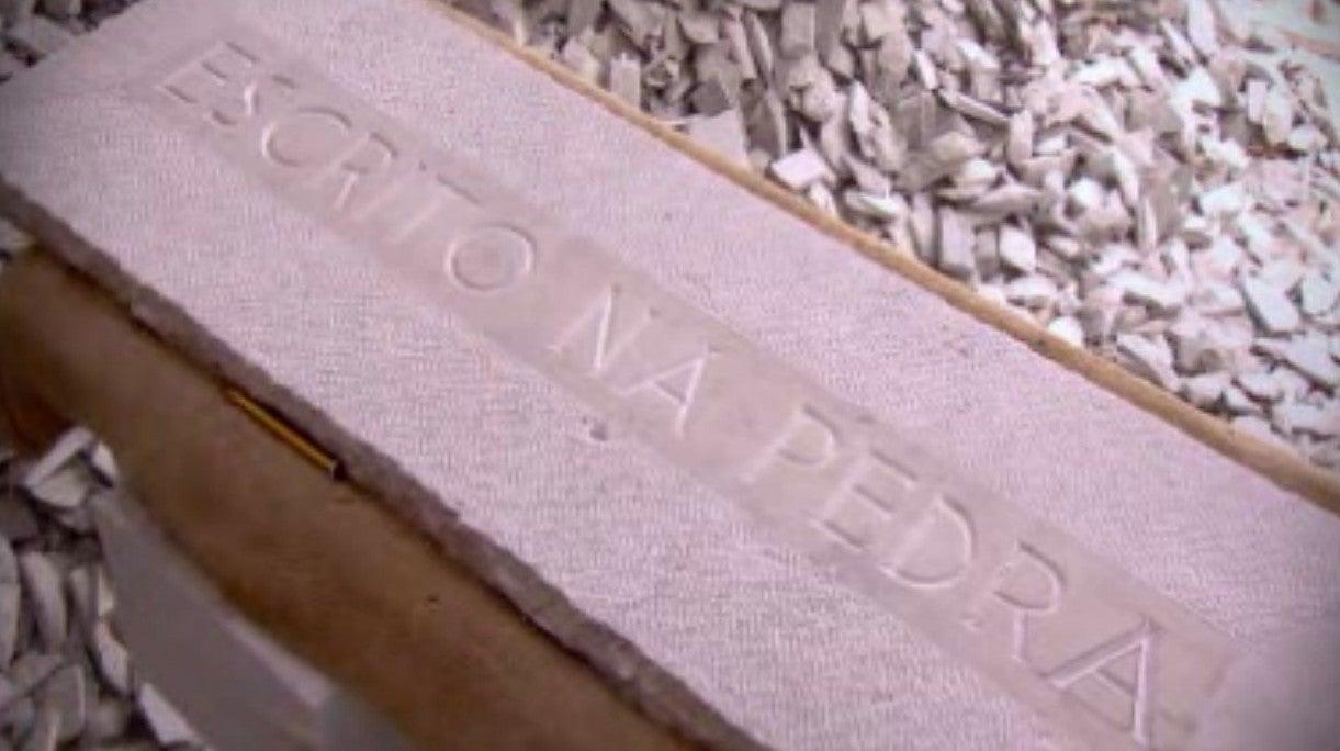 Escrito na Pedra