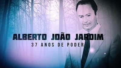 Play - Alberto João Jardim - 37 Anos de Poder