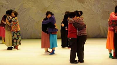 Play - Eun-Me Ahn No Teatro Rivoli - Dancing Grandmothers