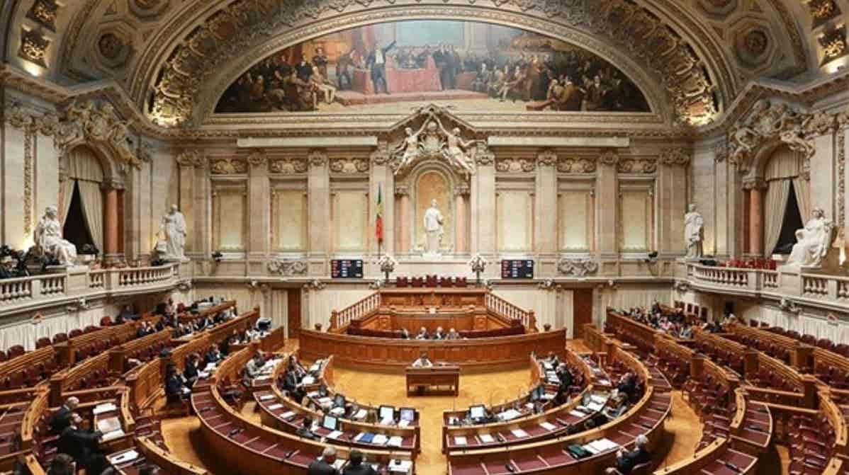 Play - Assembleia da República: Sessão Solene