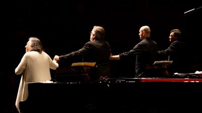 Play - Concertos para 2, 3 e 4 pianos de J.S. Bach