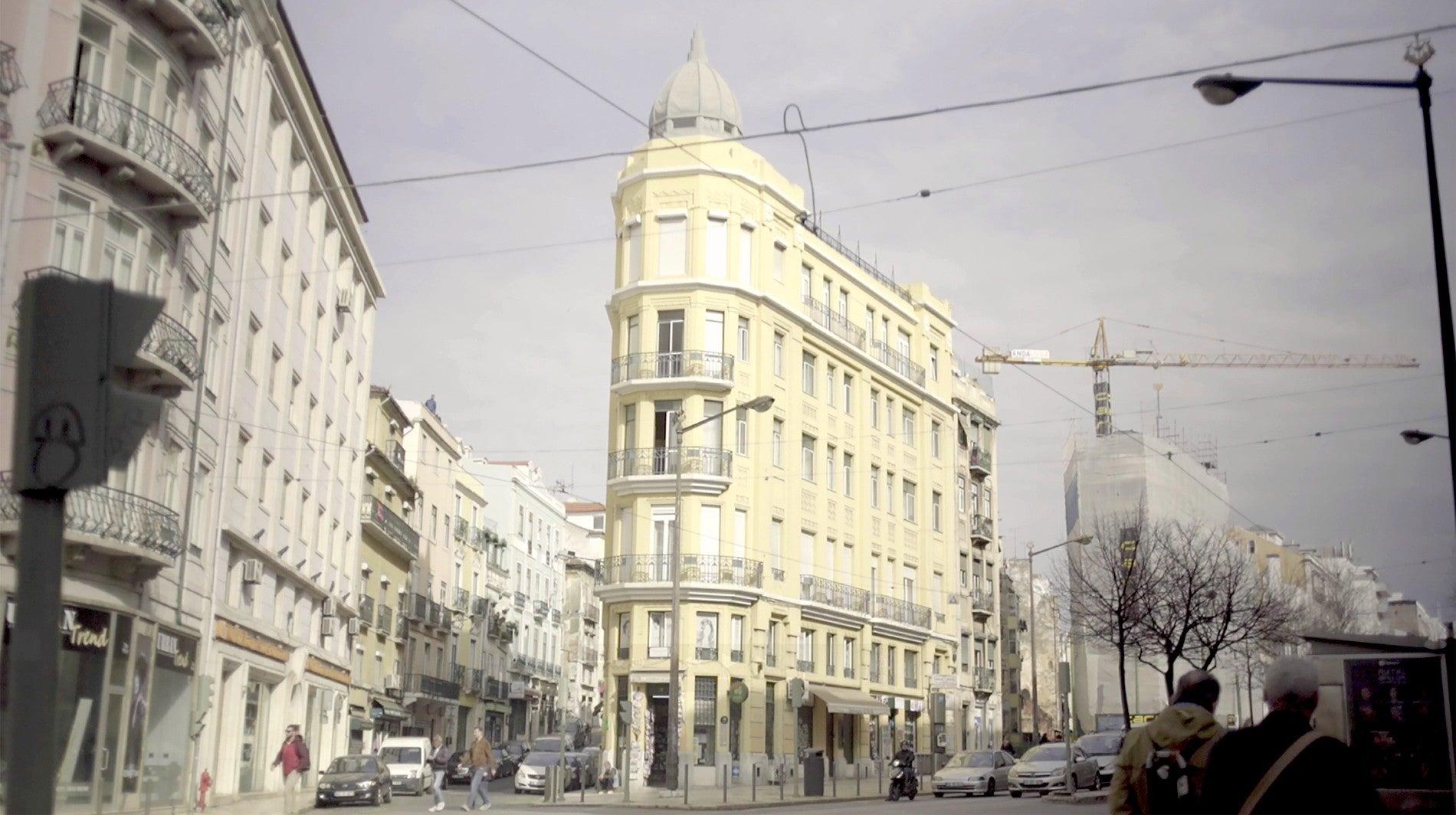 Avenida Almirante Reis em Três Andamentos