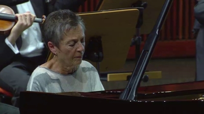 Play - Maria João Pires Toca Beethoven com Orquestra Gulbenkian