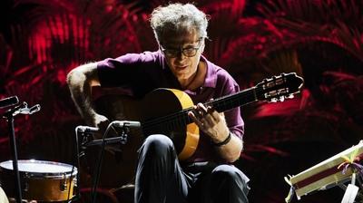 Play - Manuel de Oliveira Entre-Lugar, ao Vivo no Teatro Diogo Bernardes