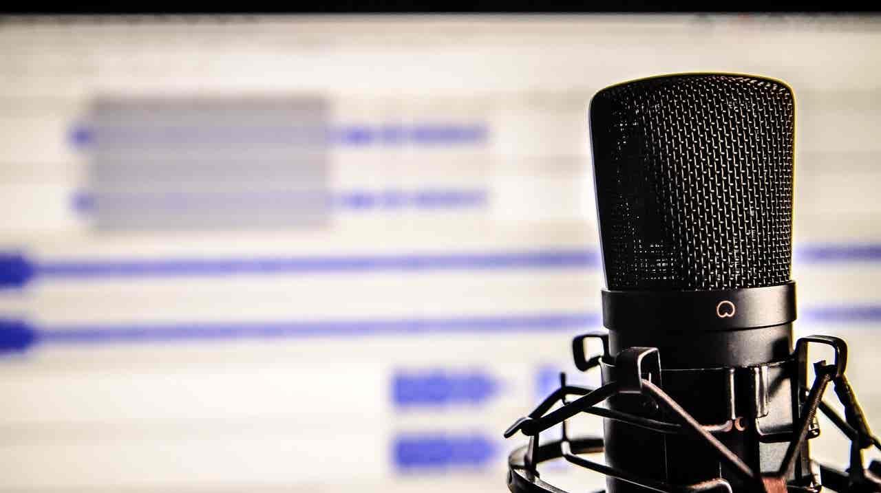 A rádio abre-se e deixa que quem ouve se faça ouvir!