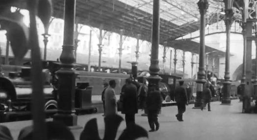"""Exposição """"O Homem ao Serviço do Caminho-de-Ferro"""" na Estação de S. Bento"""