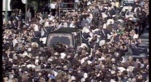 1999 – Morte de Amália Rodrigues