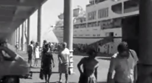 Turistas chegam a bordo do cruzeiro Nevasa