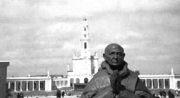 Colocação da estátua do Papa Paulo VI no Santuário de Fátima
