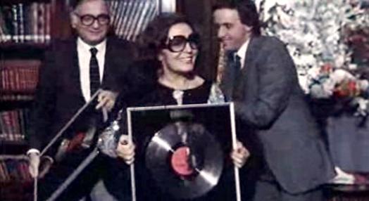 Disco de platina para Amália Rodrigues