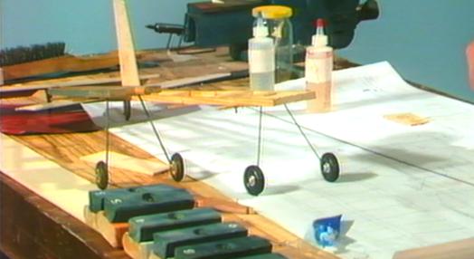 """Construção do Avião """"Batedor 2"""""""