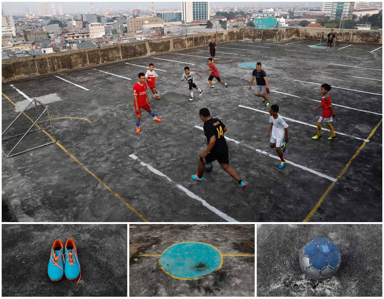 Uma baliza nos dois lados opostos de um parque de estacionamento no topo de um edifício é o suficiente para criar um campo de futebol em Jacarta, capital da Indonésia. Foto: Darren Whiteside - Reuters