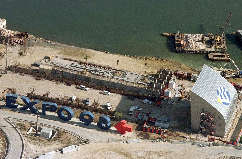 A construção em 1996 /Foto: José Manuel Ribeiro - Reuters