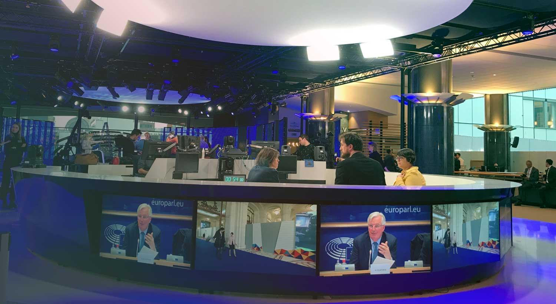 Os estúdios do Parlamento Europeu, em Bruxelas. No hemiciclo falava Michel Barnier sobre o Brexit.