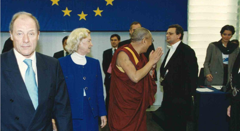 Visita oficial de Dalai Lama ao Parlamento Europeu em 1990 / Fonte: Arquivo Pessoal