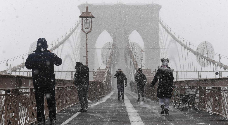 Nova Iorque em estado de emergência e 4,3 mil voos cancelados