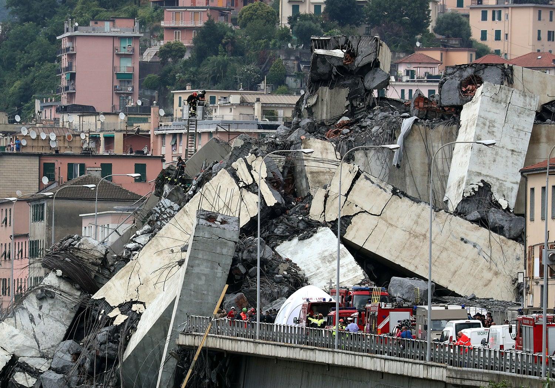 O colapso da ponte Morandi em Génova, Itália /Stefano Rellandini - Reuters