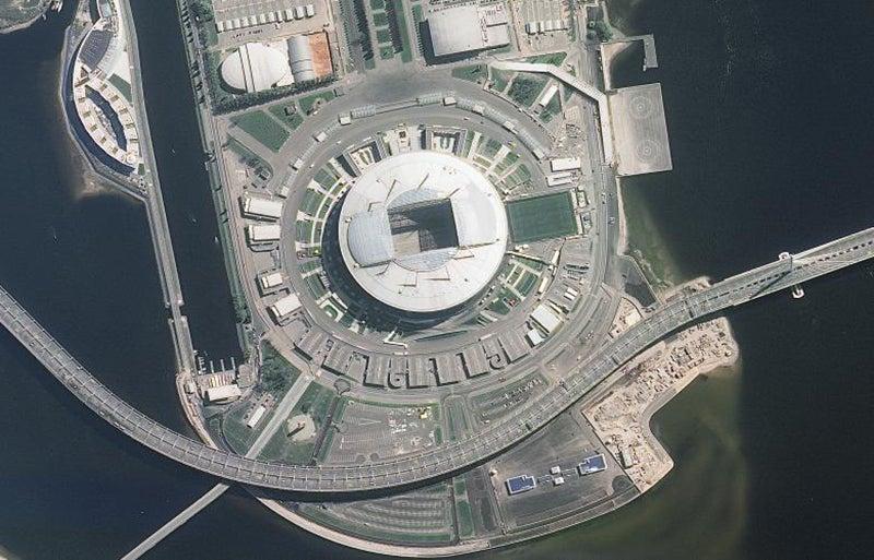 Localizado em São Petersburgo, com capacidade de 67.000 lugares /Foto: ROSCOSMOS via Reuters