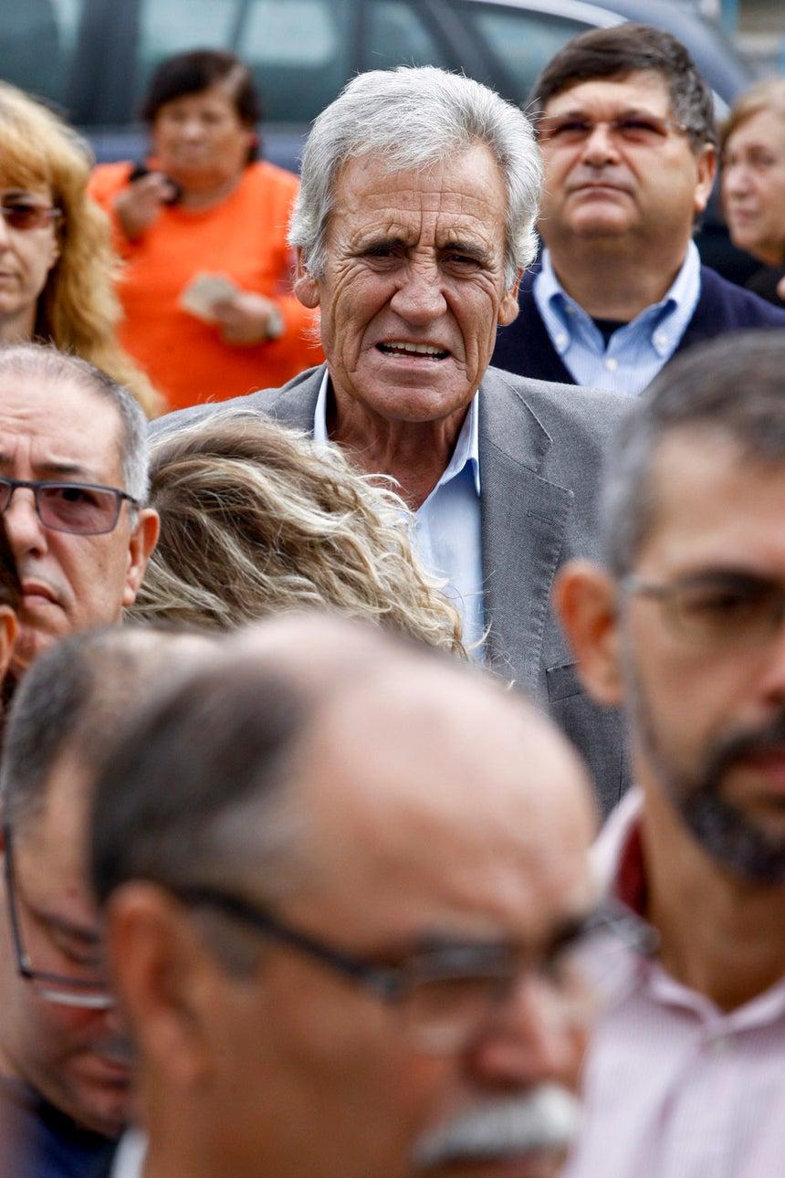 Jerónimo de Sousa fez-se acompanhar pelos netos na altura do voto.
