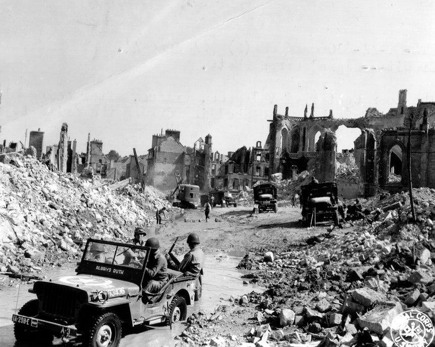 A destruição da vila de Saint Malo depois do Dia D /Reuters