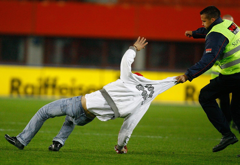 Num jogo amigável entre a Áustria e a Turquia em 2008 /Dominic Ebenbichler - Reuters