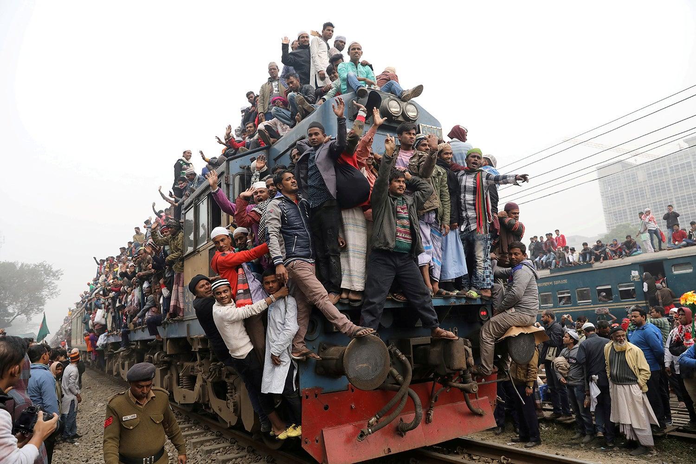 Comboios sobrelotados no Bangladesh /Mohammad Ponir Hossain - Reuters