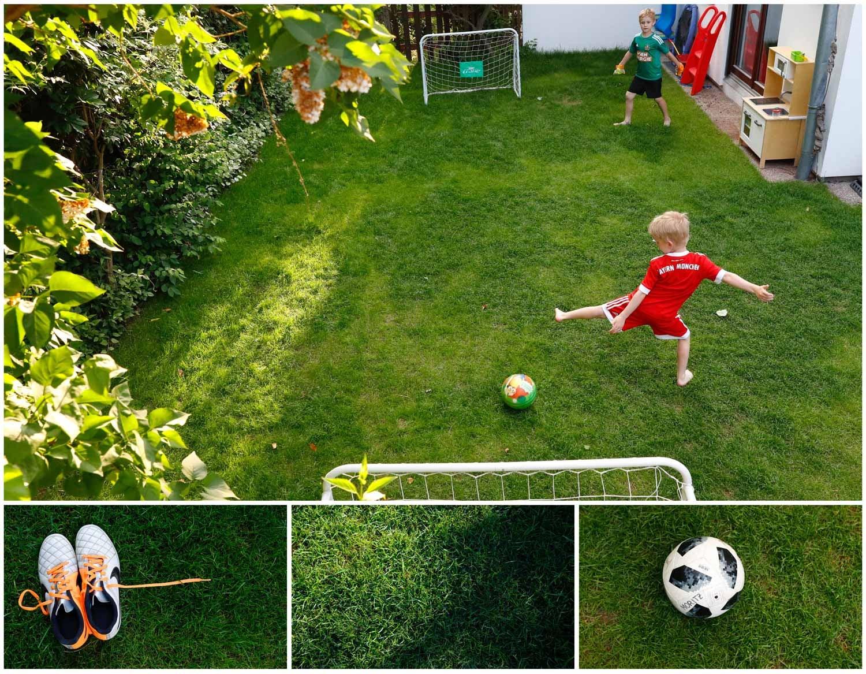 Duas crianças jogam futebol num campo improvisado no próprio jardim de casa, em Viena, na Áutria. Foto: Leonhard Foeger - Reuters