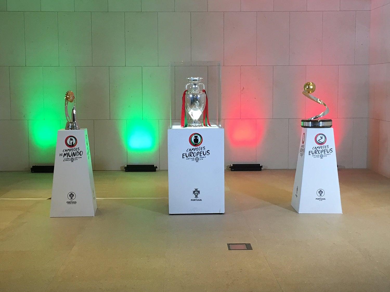 Campeões do Mundo de Futebol de Praia, Campeões da Europa de Futebo e Campeões da Europa de Futsal. Missão cumprida. (Foto: António Esteves - RTP)