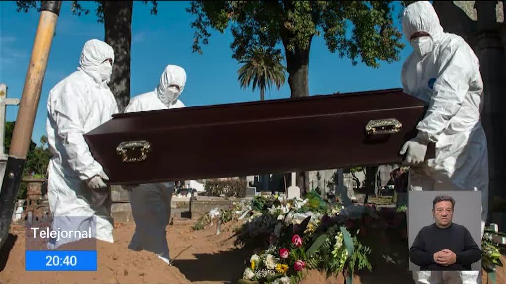 Aumento de óbitos já se sente nos cemitérios portugueses